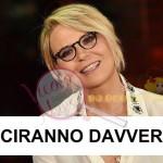 1481365315-1450866212-maria-de-filippi-striscia-2015 (1)